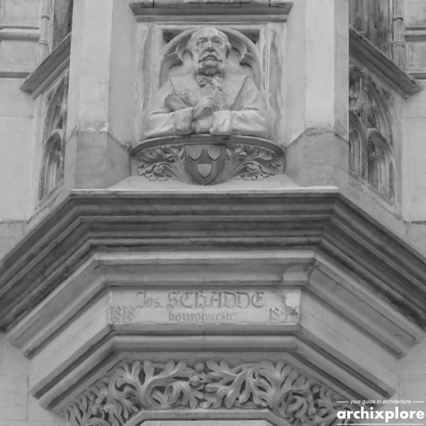 Handelsbeurs Antwerpen ontworpen door architect Joseph Schadde - buste en portret van de architect