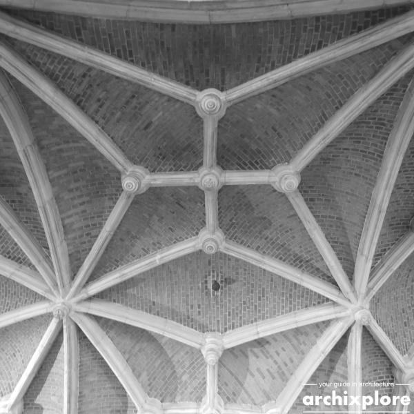 Handelsbeurs Antwerpen ontworpen door architect Joseph Schadde - detail plafond galerij