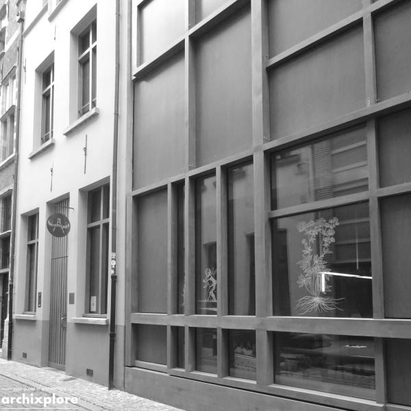 Leeszaal en depot Museum Plantin-Moretus Antwerpen - de ingang en gevel leeszaal Heilige Geeststraat