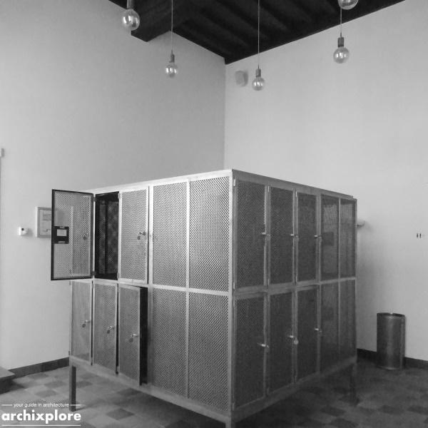 Leeszaal en depot Museum Plantin-Moretus Antwerpen - lockers bij de ingang